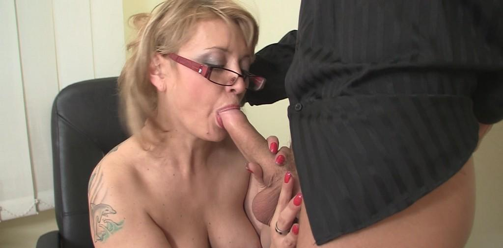 Tabitha a lustfull granny honouring a young stud with a long blowjob