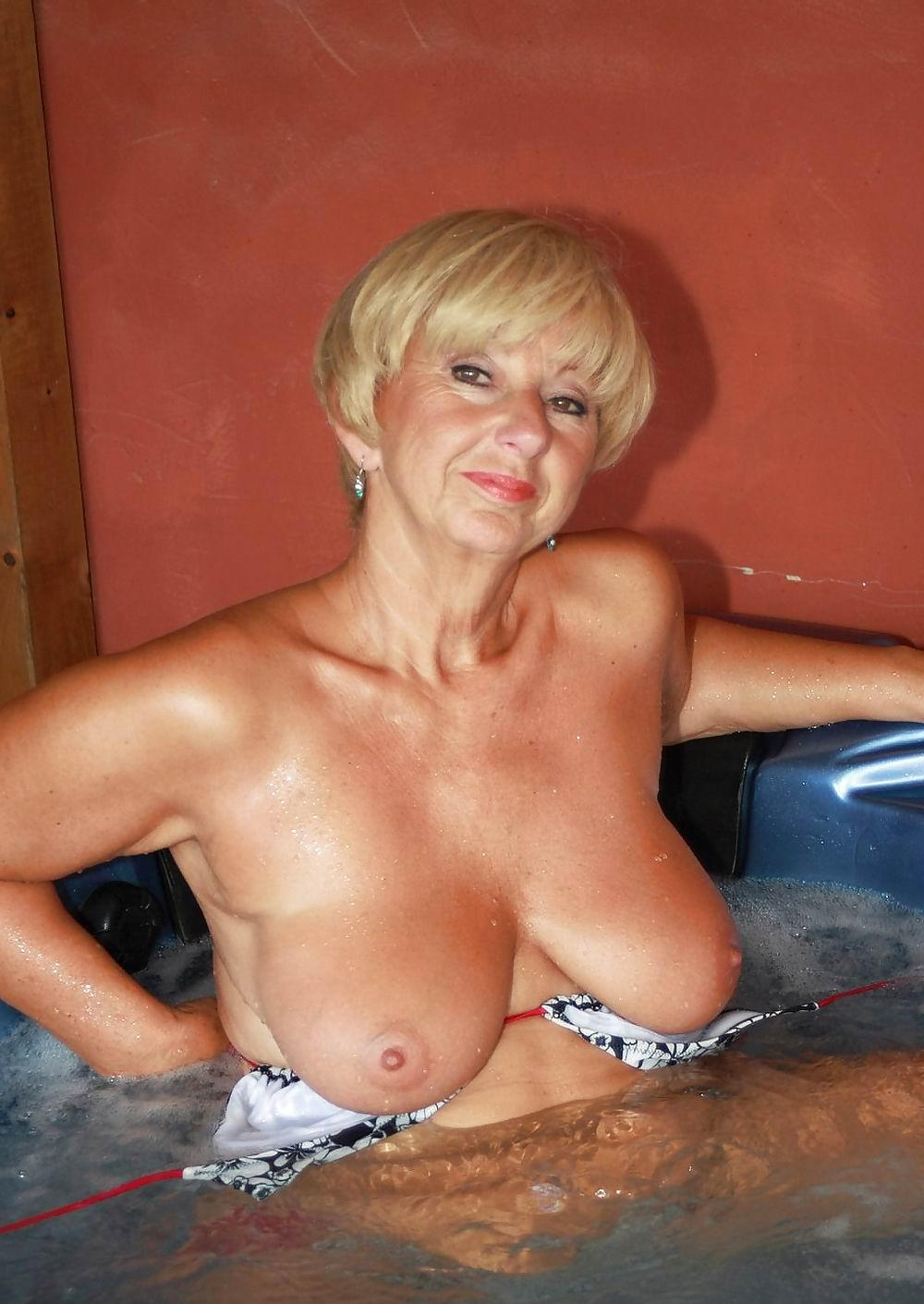 Susan ,a  old mature granny who  to have admiring Sixty-nine