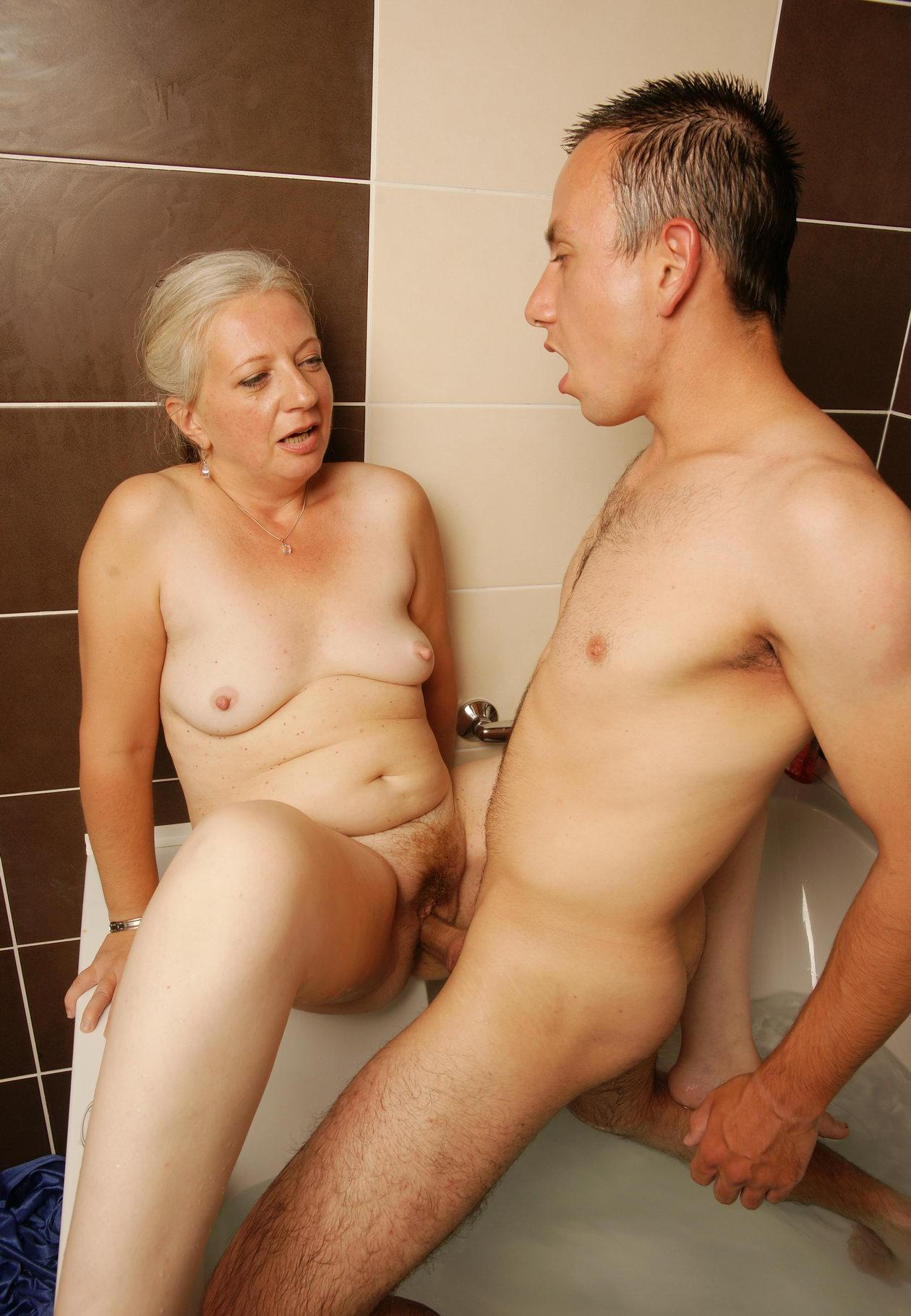 Randi a perverted granny has still a tight pussy for her age