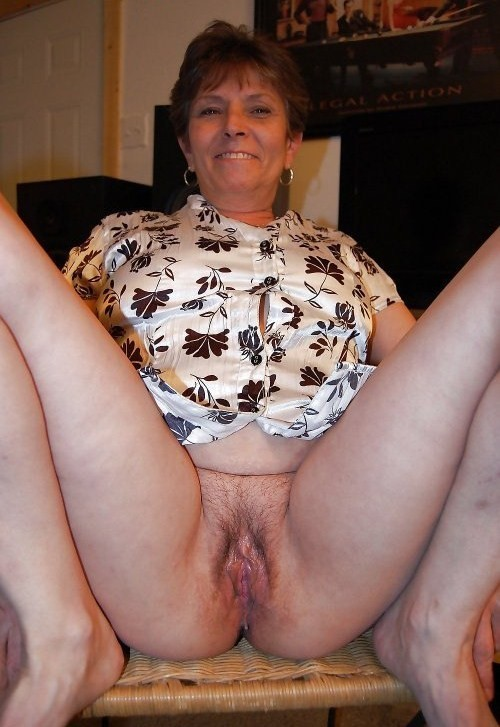 Kelsey ,a  lustfull granny who has a strong passion to do  sexteaching