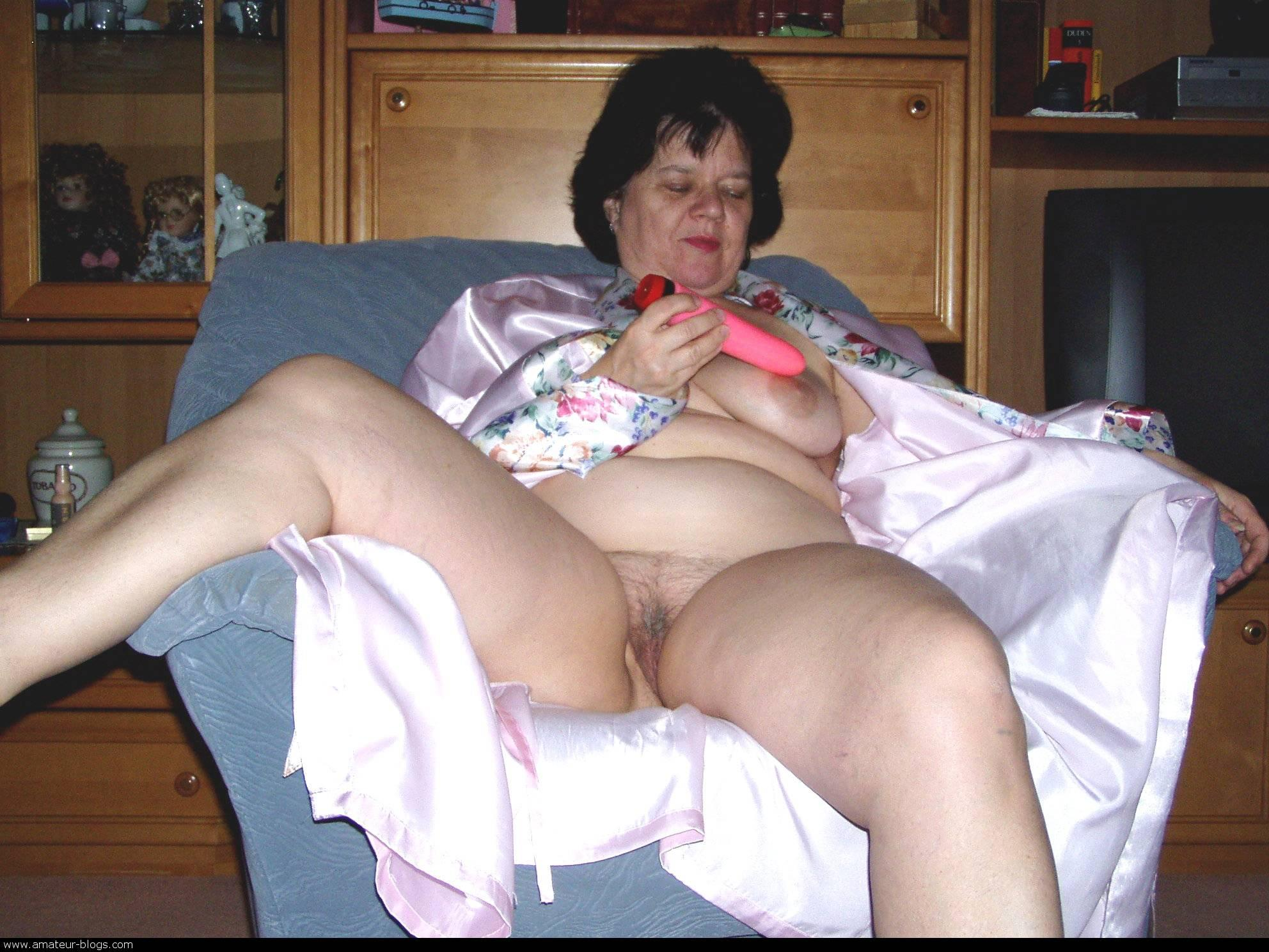 Nancy ,a  lusty granny who loves to take it  in her mouth