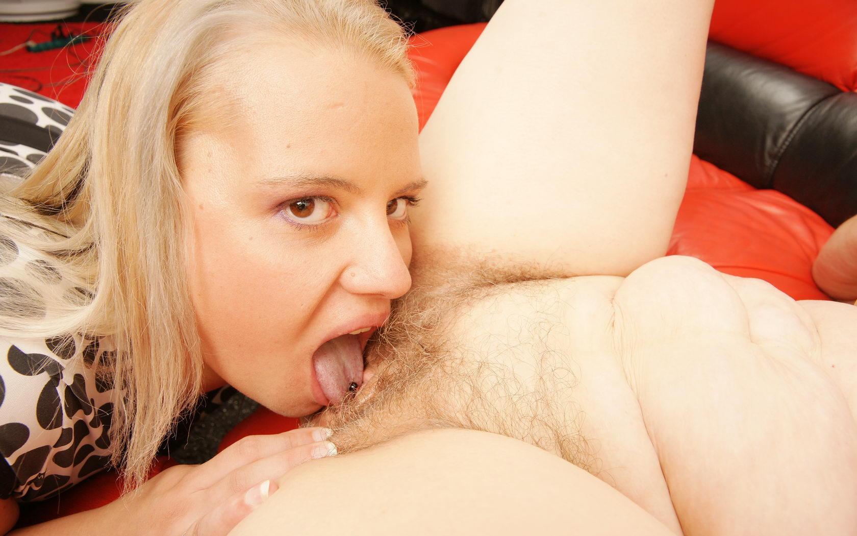 Alisha ,a  kinky granny who  to do  it in missionary position