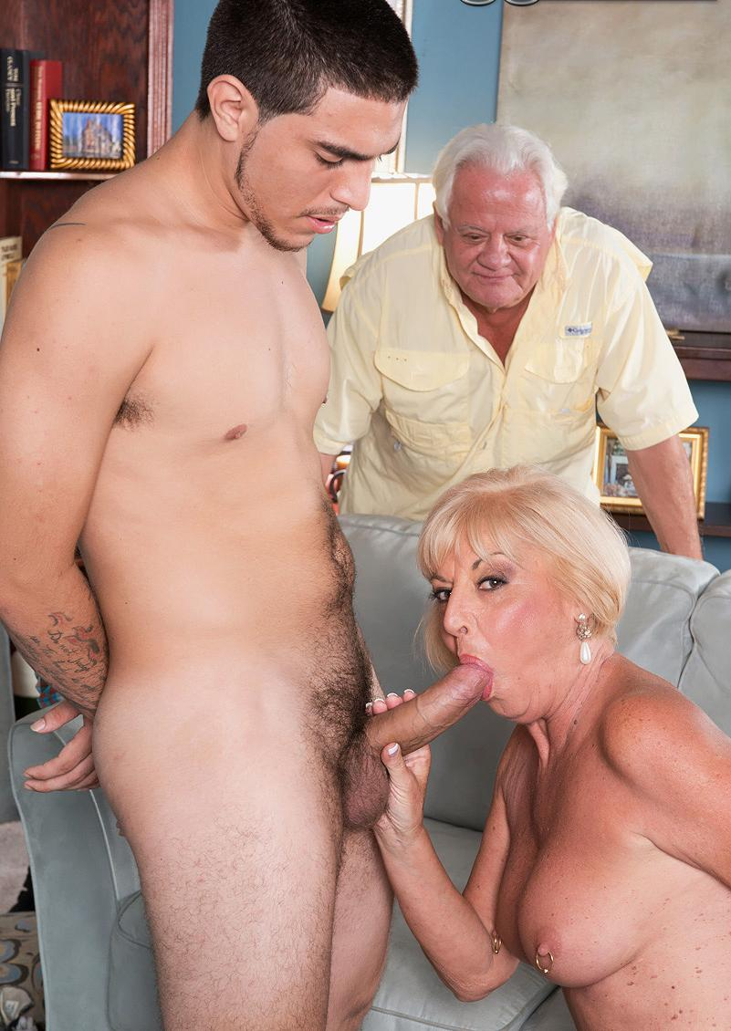 Melody a grandmother i love to fuck sucking to please her cuckolded housband