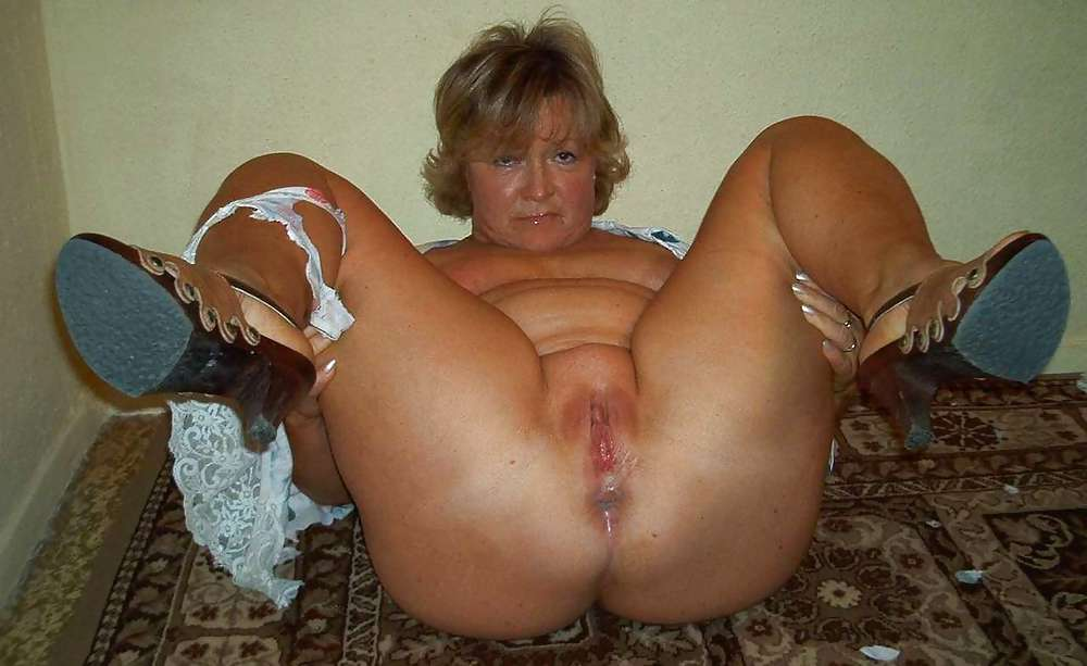 grandmother i love to fuck is not shy to do controlled