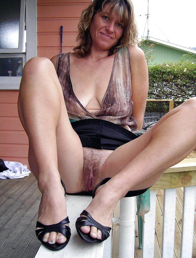 Melissa a grandmother i love to fuck opening her legs large to show her sweet old pussy