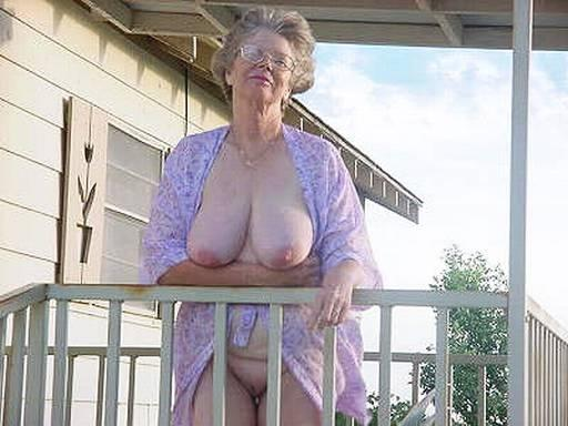 grandmother i love to fuck enjoys to give very hard