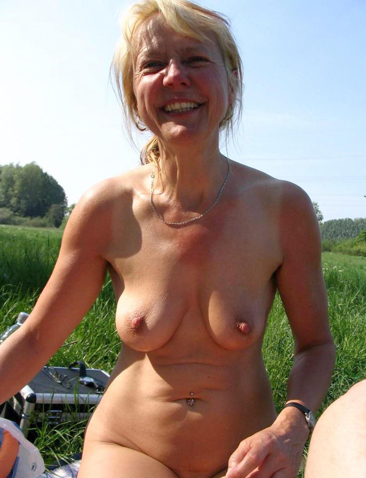 Kyla a kinky granny has wonderful formed beautyful tits