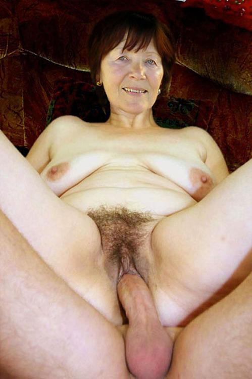 wonderfull kinky granny likes to have boobsex