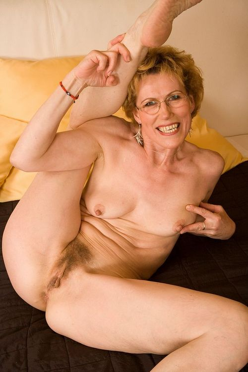 sexual attractive lustfull granny likes to give blowjob