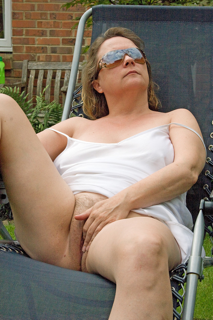 Marina a 65 old twisted BBW GRANNY fingerfucking herself