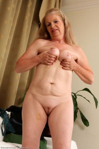 Sydney a 63 old greedy HOMEMADE GRANNY has a beautyful shaved pussy
