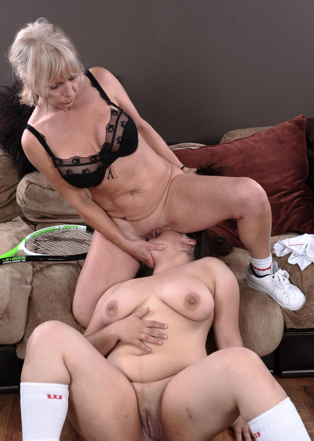 Audrey a LESBIAN OLDIE forcing her stepdaughter to facesitting and cunnilingus
