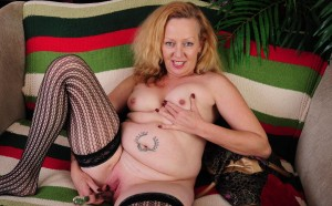 Macy a 61 old charming HOMEMADE GRANNY a hot american granny hottie masturbating here