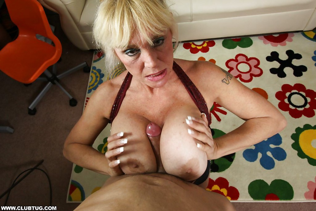 Diana a 62 old horny big tits wonder has sex 3 times a day