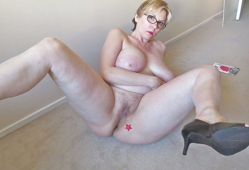 Payton a 61 old friendly HOMEMADE GRANNY has a huge hole for long fucking