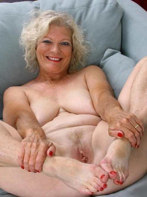 Katlyn a 68 old pleasing SEDUCTIVE GRANNY is waiting for her younger lover