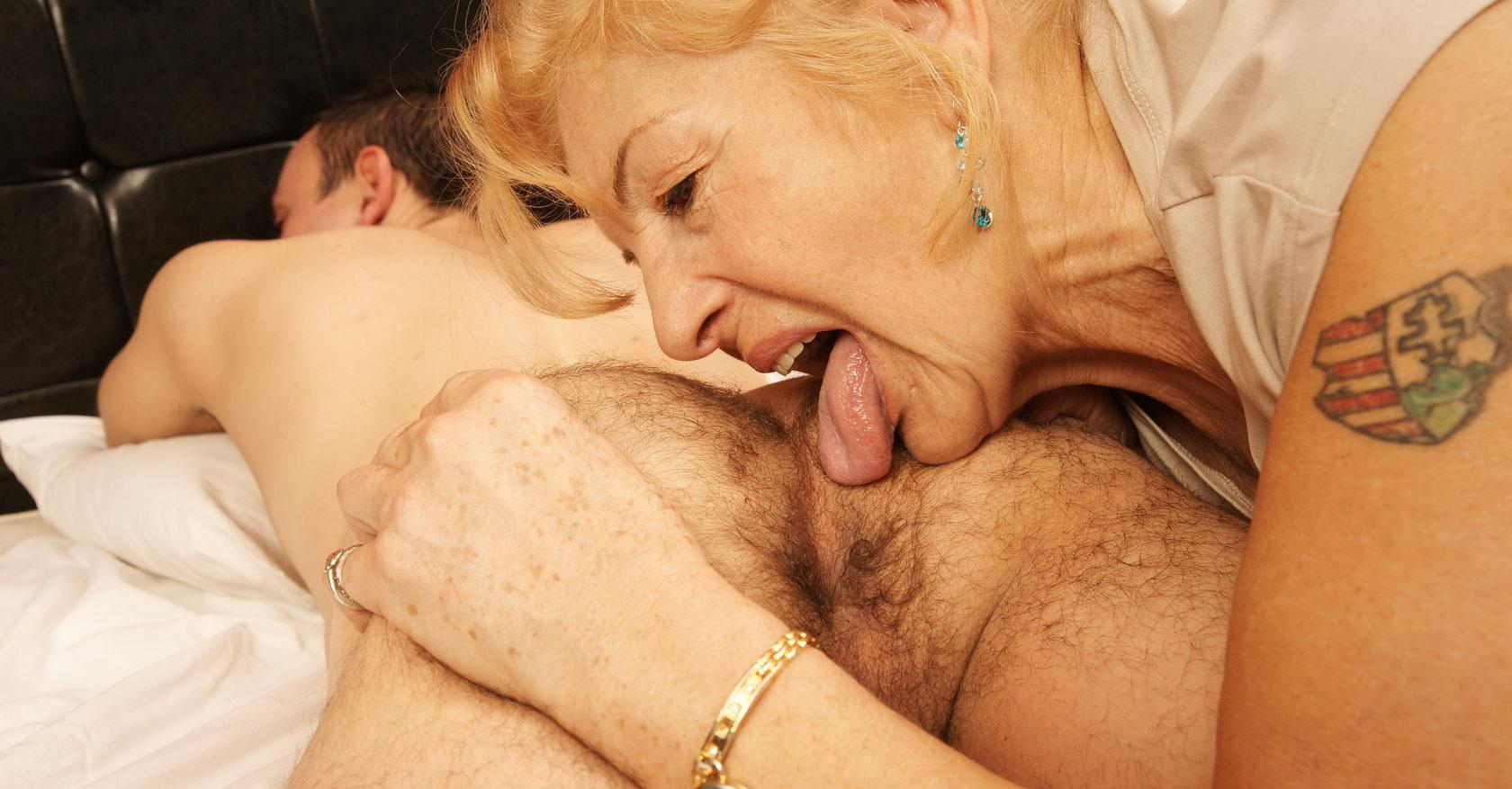 Jeanette a 77 old fuckable ANAL GRANNY assriming some perverted british dude