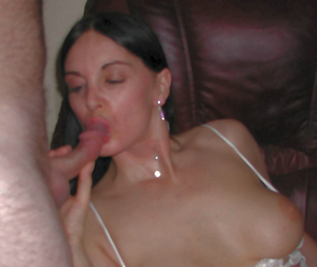 divorced mature was invited to a private gangbang