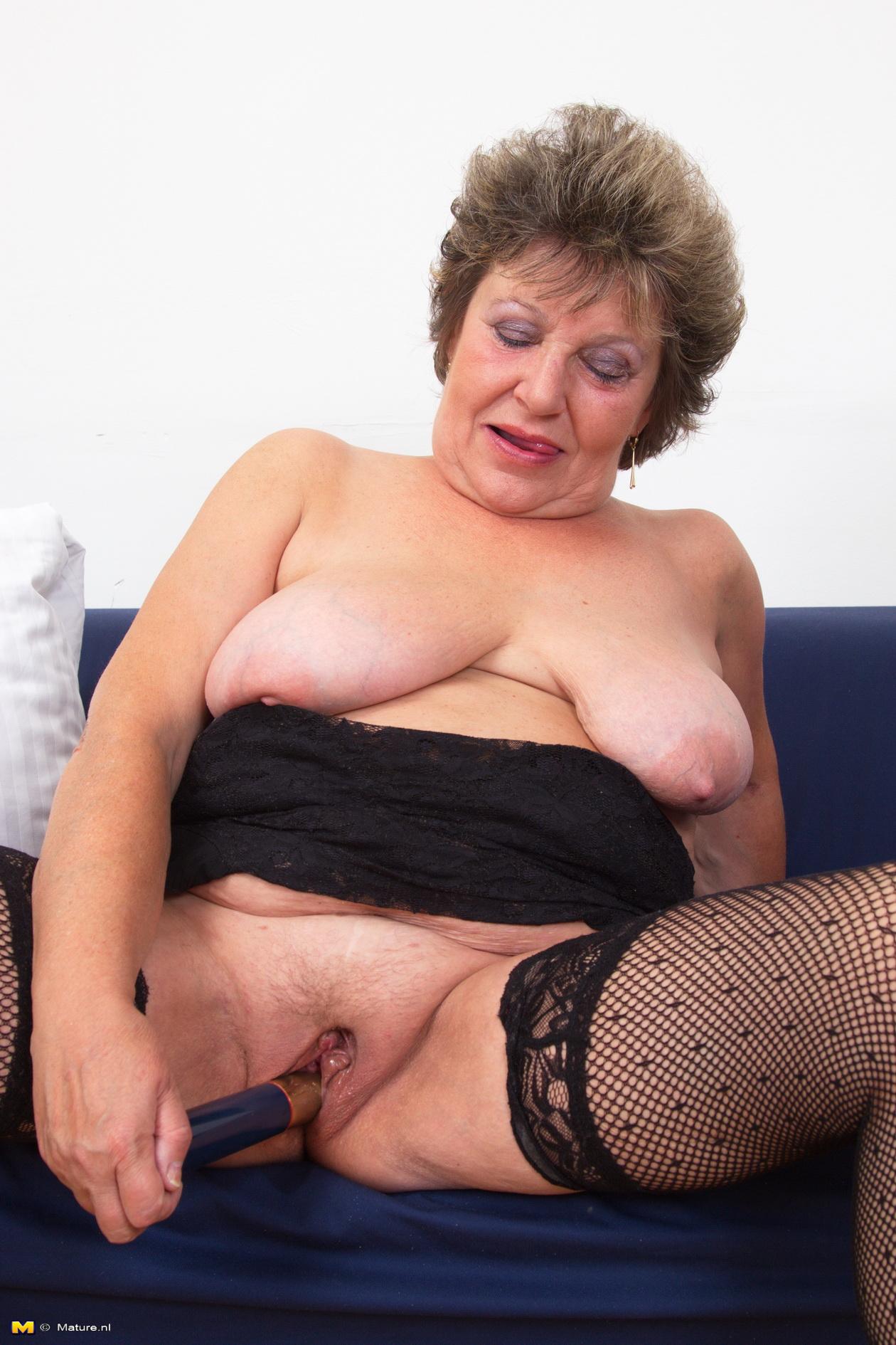 lonley granny orgasms fast