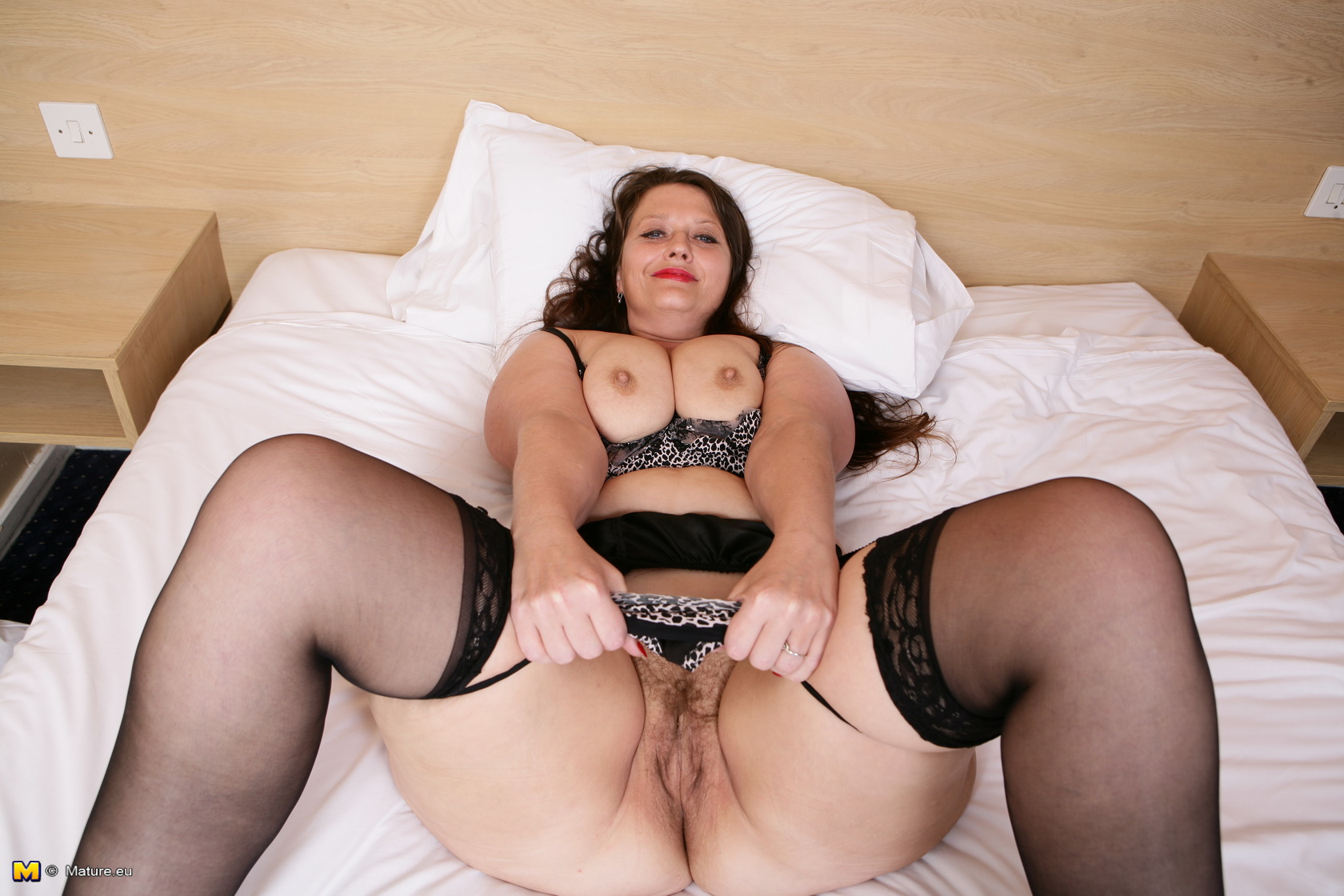 old bbw cunt reaching climax in this homemade selfie shooting