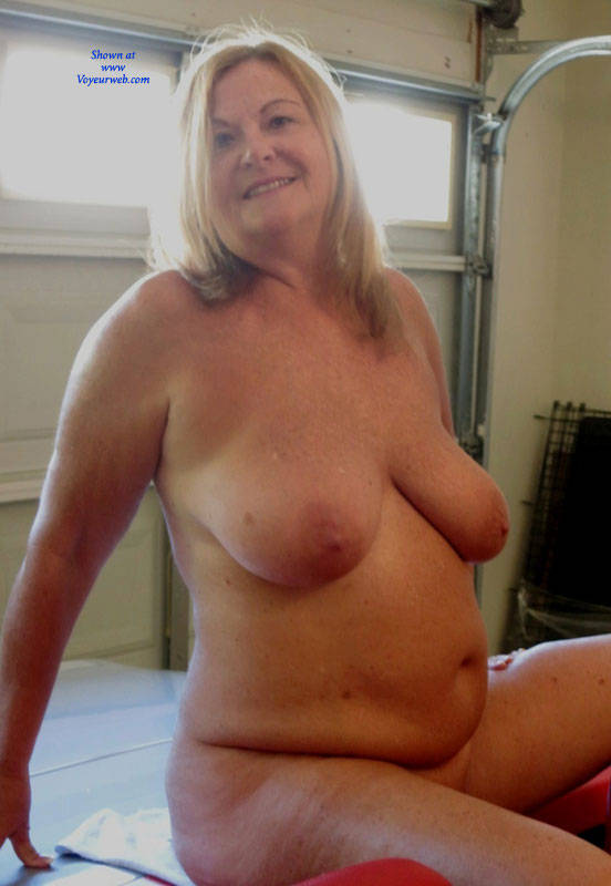sloppy granny fatty did some awesome selfies that leaked all over