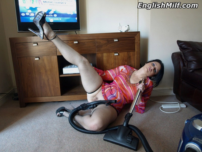 british mature bored from homeworks, time for a wank with the hoover