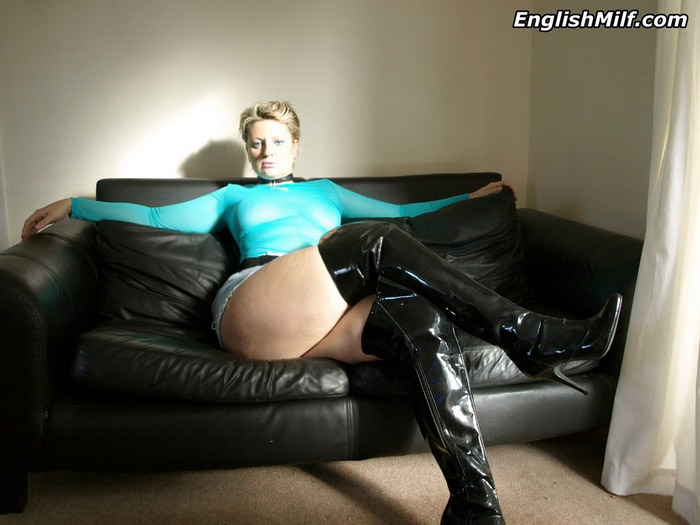 slutty mature blowjob teacher gives an unforgetable deepthroat lesson to her young lover