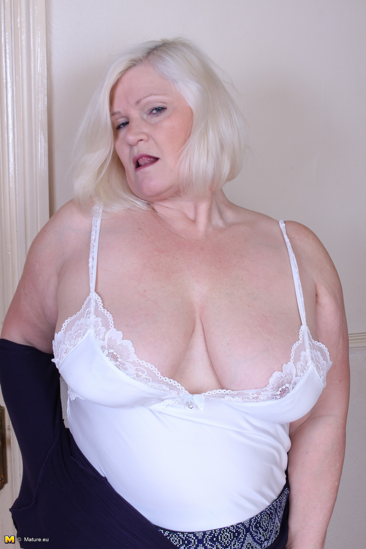 kinky granny is wearing no panties today – upskirt tease and downblouse flash