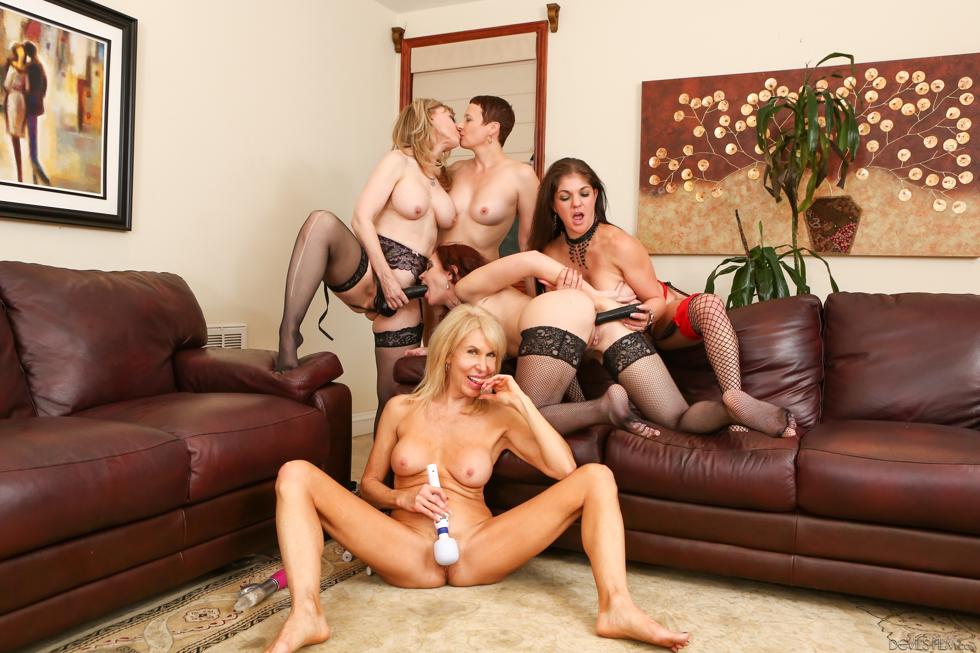 hot orgy in the aged of home starring 200 years of experienced old pussy
