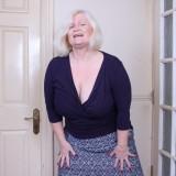 granny upskirt tease #5_thumb