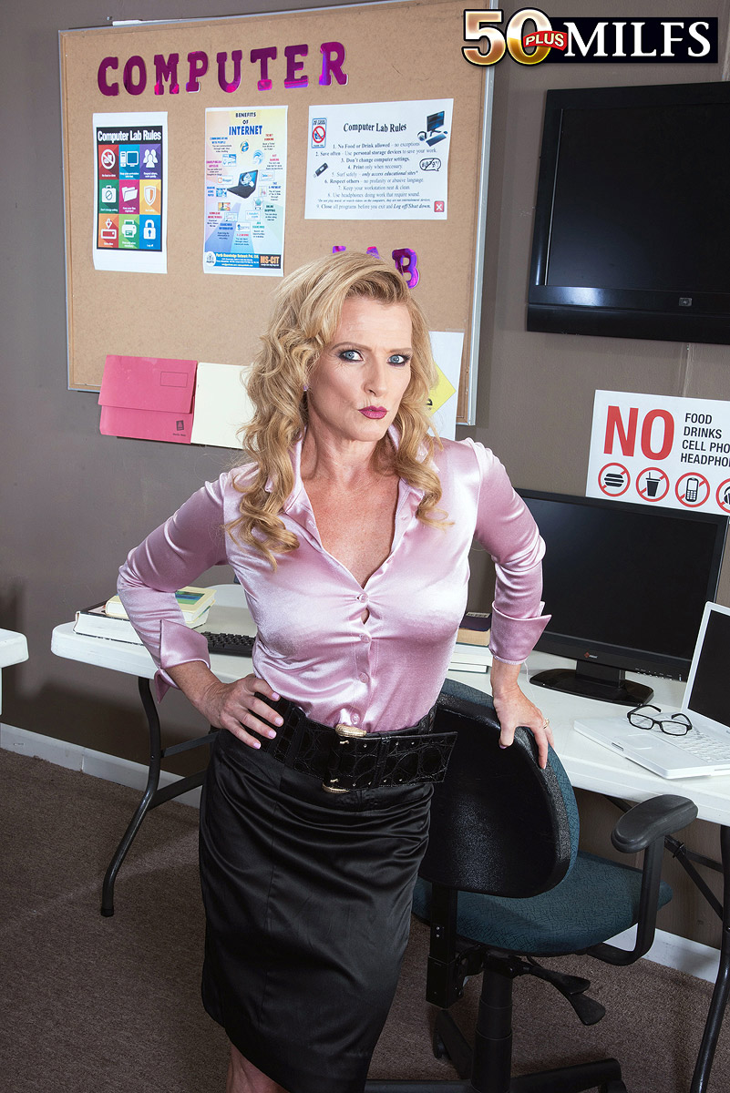 mature secretary amanda verhooks 50 plus #1