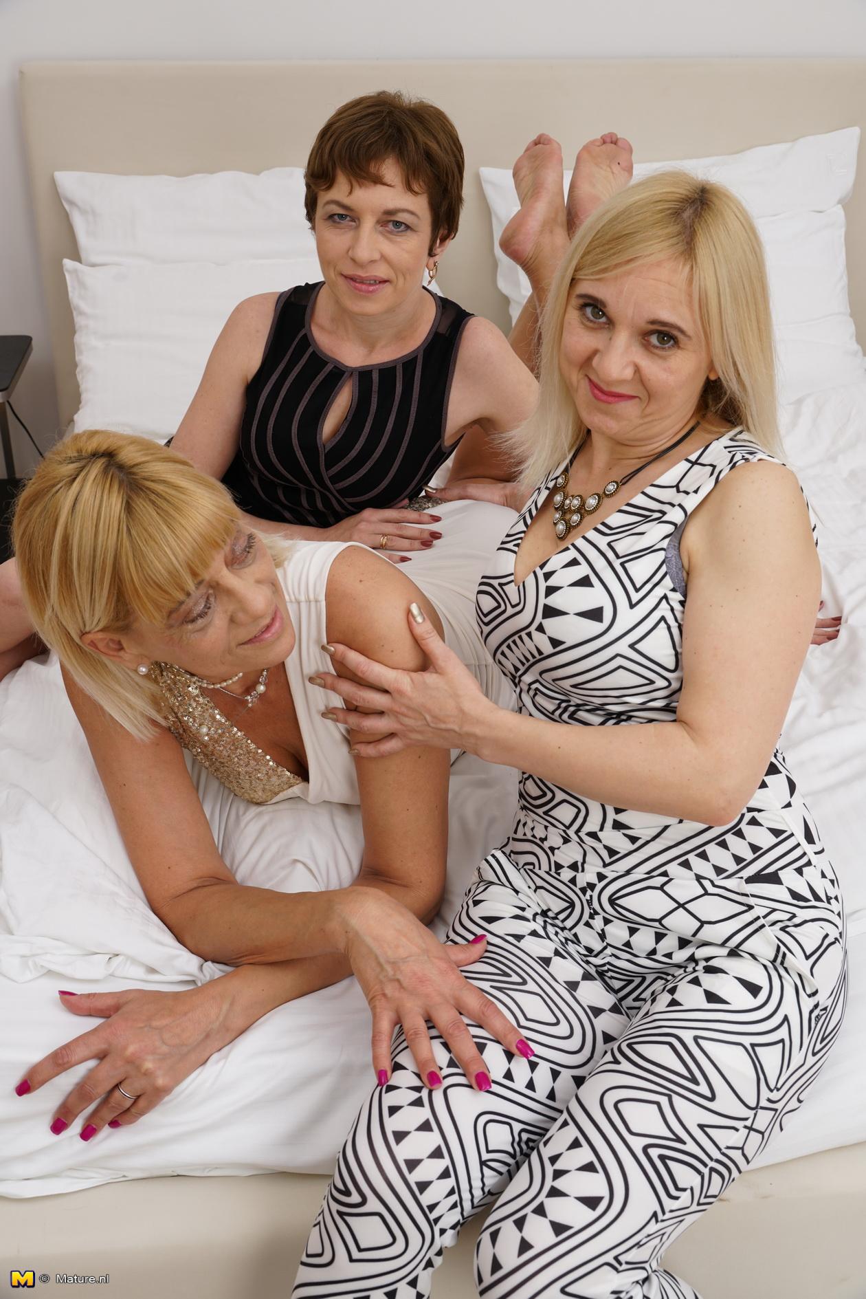 ugly lesbian grannys licking #1