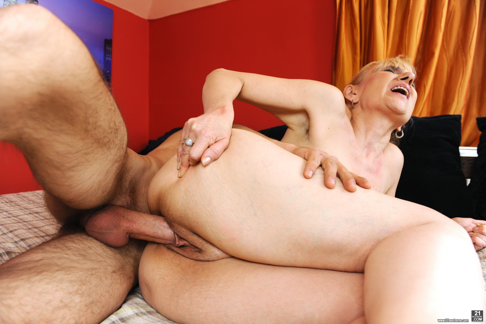 sportive fuck with grandmother #1
