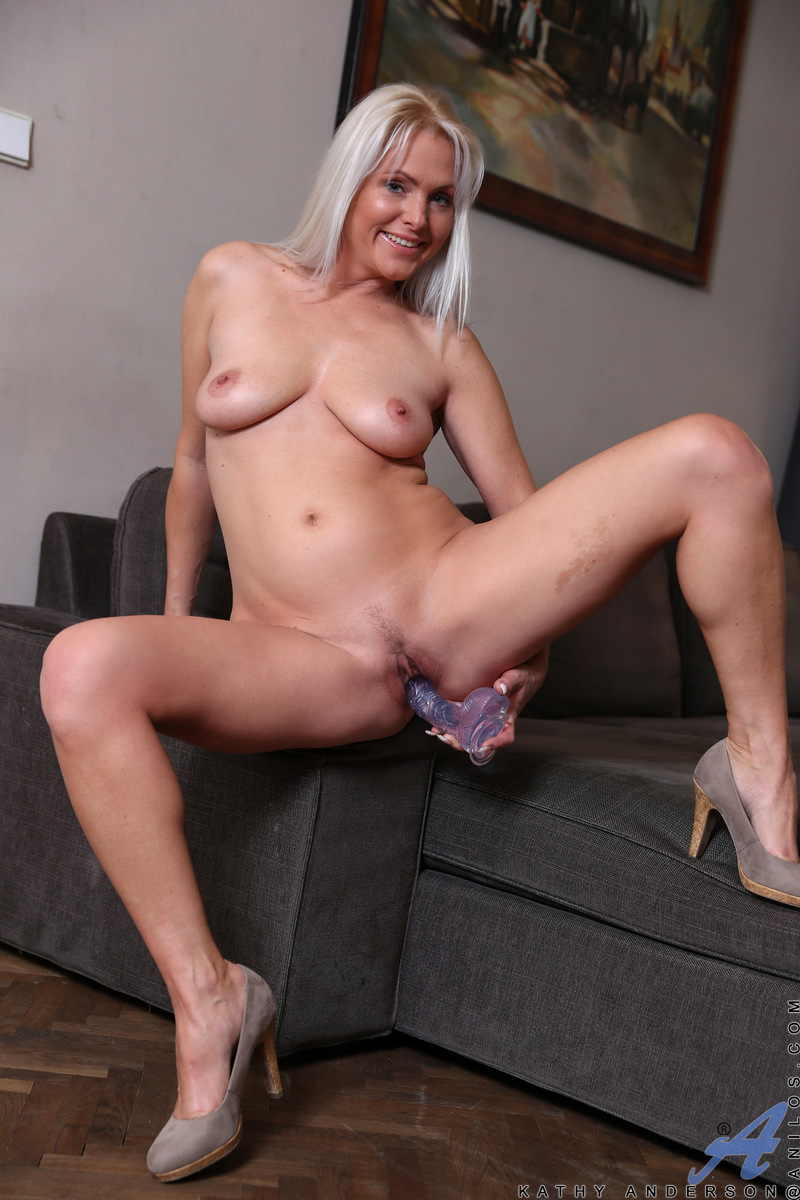 perfect aging business lady flashing her tight sweet pink #1