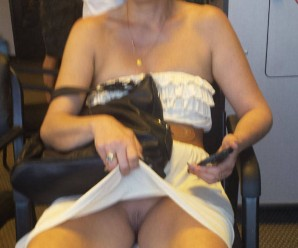 sexy grandma flashing pantyless (anonymous pic posting)