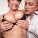busty cougar Jessica hot gets her old body invaded #7_thumb