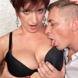 busty cougar Jessica hot gets her old body invaded #4_thumb
