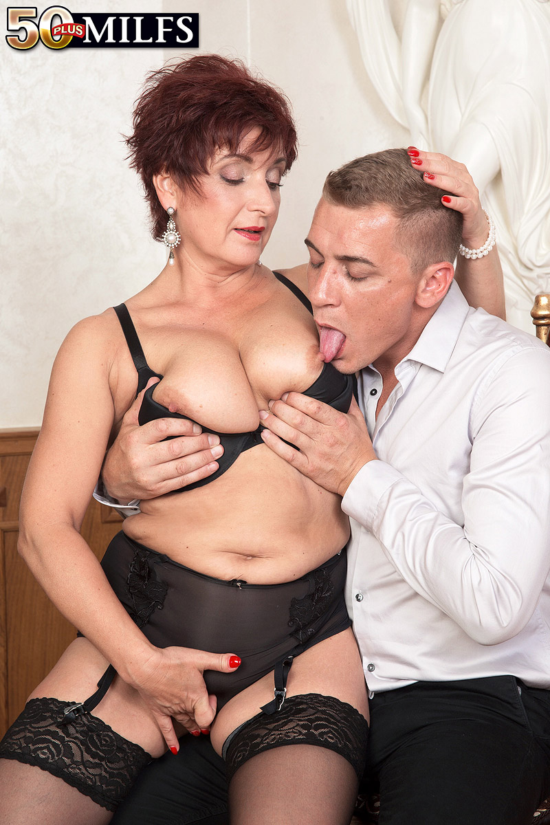 busty cougar Jessica hot gets her old body invaded #1