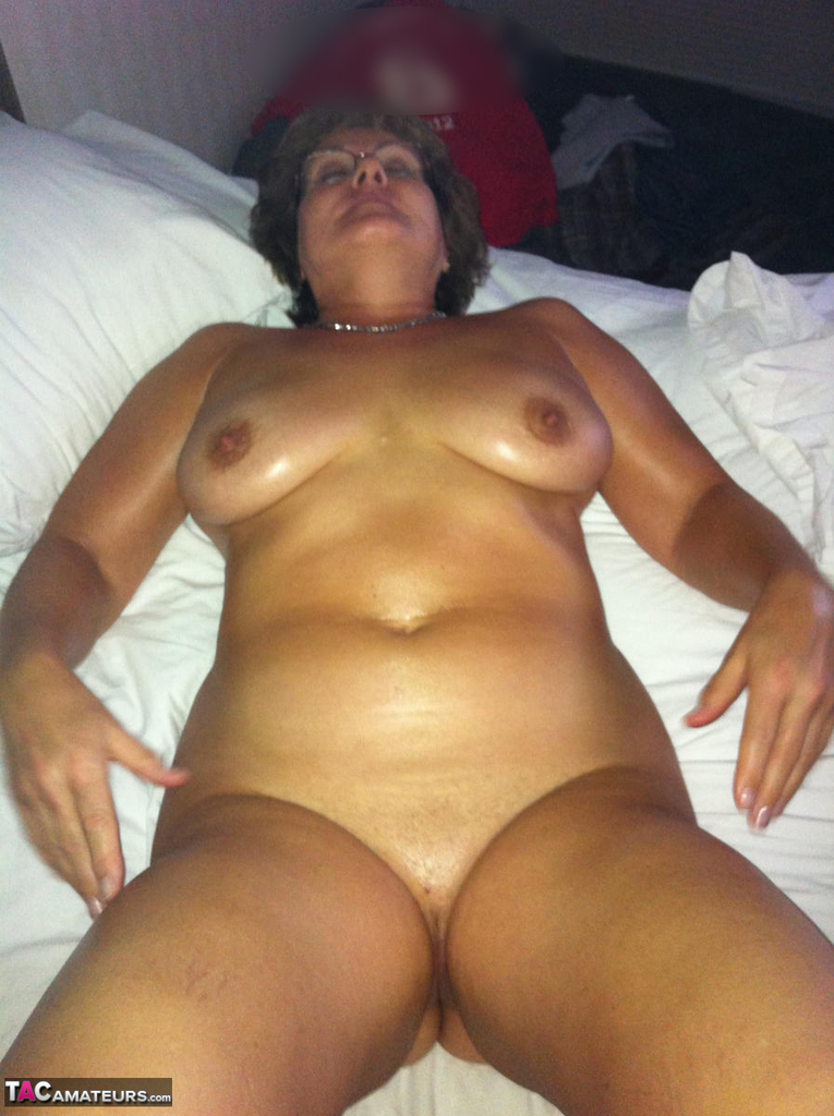 Old busty hotty curvy claire fucks with a member of her fanpage #1