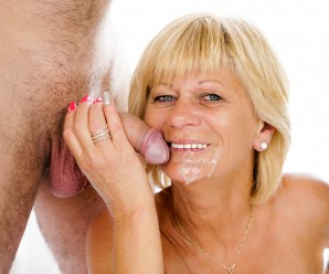 her old mature cunt tastes so delicious – how to lick an old ripe lady the way it makes her orgasming