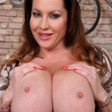 mature boobs to impress – busty mature laura orsolya #10_thumb