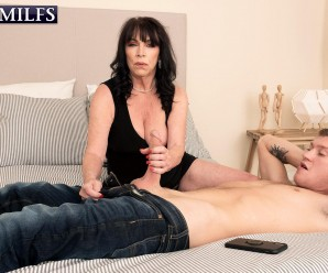 deepthroat pleasures with 60plus gilf Christina