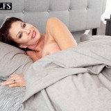 How a sexy MILF starts her day - Vanessa Videl (60 Photos) - 50 Plus MILFs picture 3