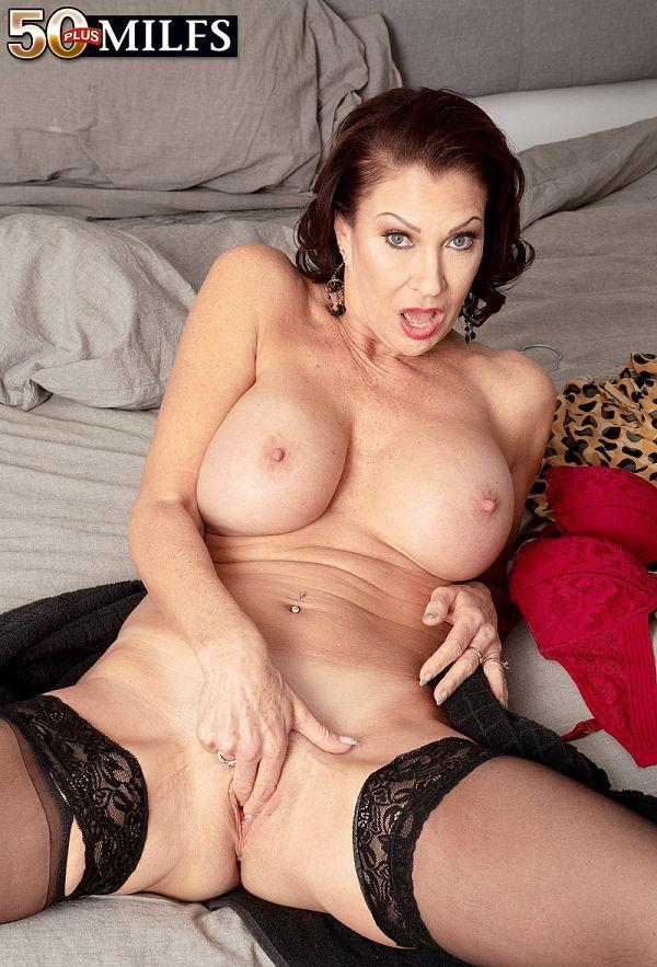 How a sexy MILF starts her day - Vanessa Videl (60 Photos) - 50 Plus MILFs picture 2
