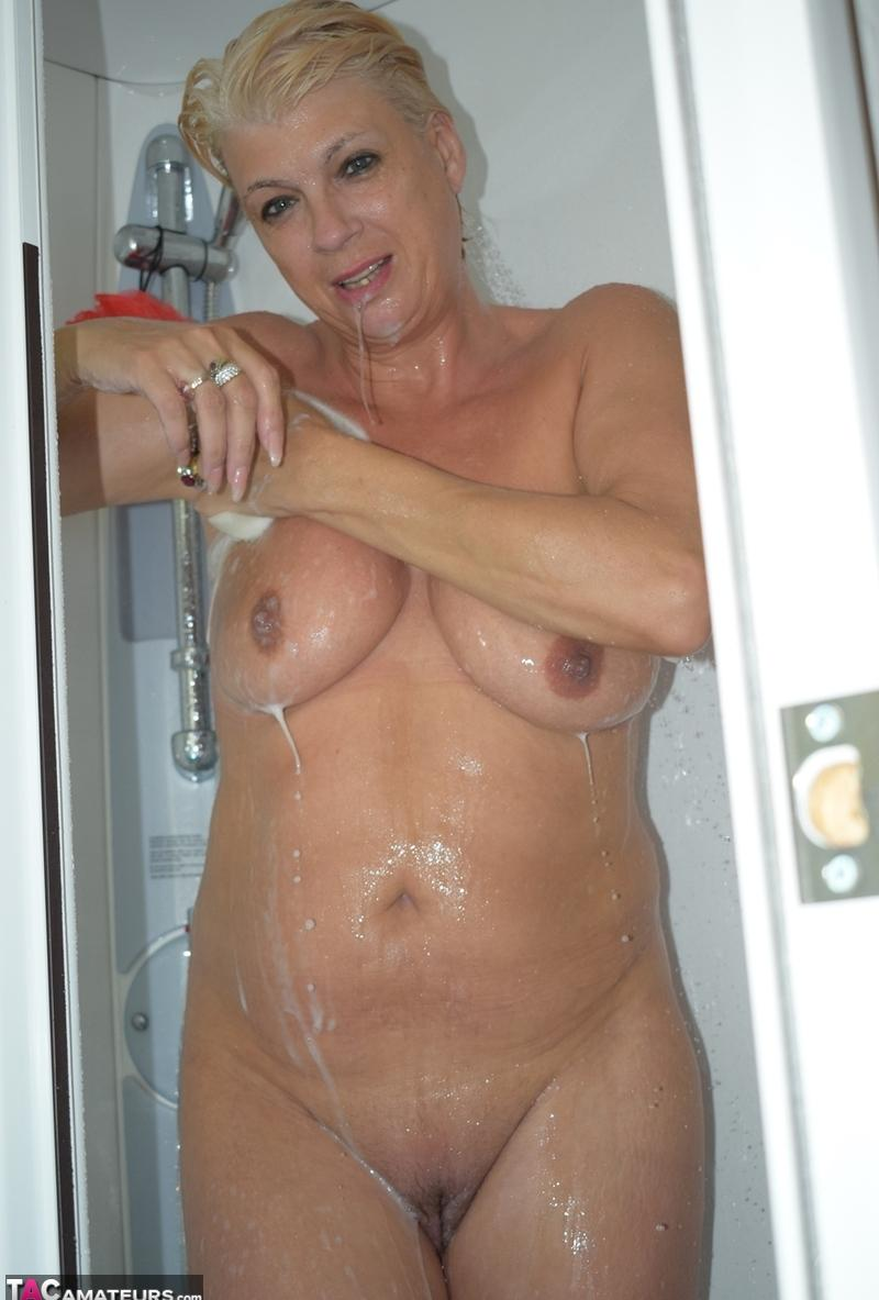 gigantic granny Dimonty washing her little cunt  picture 2