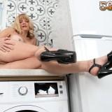 MILF pussy on the kitchen counter - Elara Elis (94 Photos) - 50 Plus MILFs picture 14