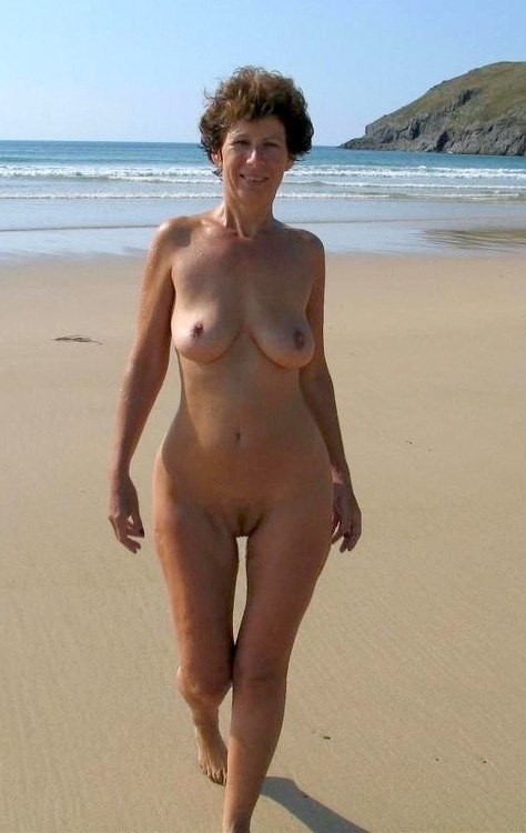 Olivia a lusty granny druning her swinger vacation