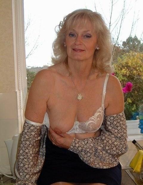 Valeria ,a  divorced granny who  to do ultimate sex teaching