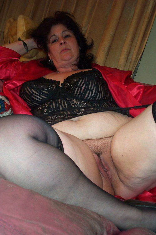Alicia a wet granny loves her old homemade pussy licked longtime