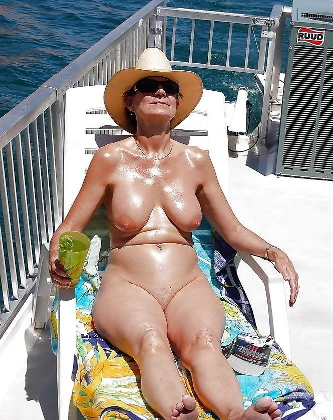 Cassandra a beautyful granny on vacation in miami here